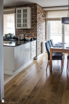 Metamorfoza mieszkania 80m2 - Średnia otwarta jadalnia w salonie - zdjęcie od…