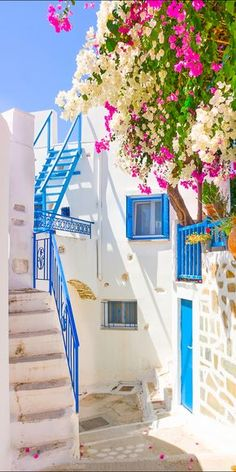 That Greek blue-and-white. Pinned by apothecaryteaandgallery ~ #travel #Wanderlust #Greece -Santorini, Greece
