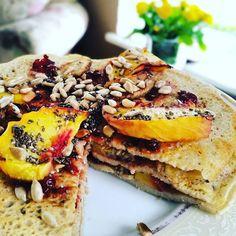 Brakuje Wam pomysłu na śniadanie? Zapraszamy na naszą stronę fb  biomarketpoznan  po inspirację. Naleśniki #glutenfree :) #pycha #healthy #biomarketpoznan #healthyhabits #stayfit #instagood #instalike #instafood #love #foodporn #followme #chia