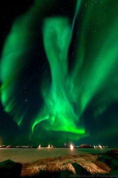 Aurora Borealis. Tuctoyaktuk, Northwest Territories. November 5, 2013. By Francis Anderson.