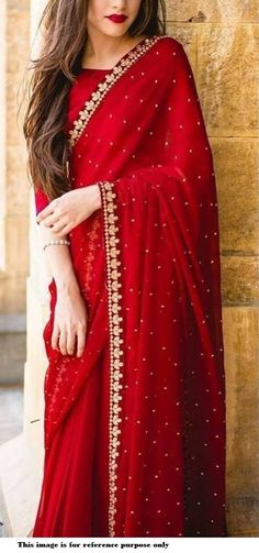 Buy Bollywood red color georgette moti saree in UK, USA and Canada - Saree Styles Indian Bridal Sarees, Indian Bridal Outfits, Indian Bridal Wear, Indian Designer Outfits, Bridal Lehenga, Wedding Sarees, Sari Design, Dress Indian Style, Indian Dresses