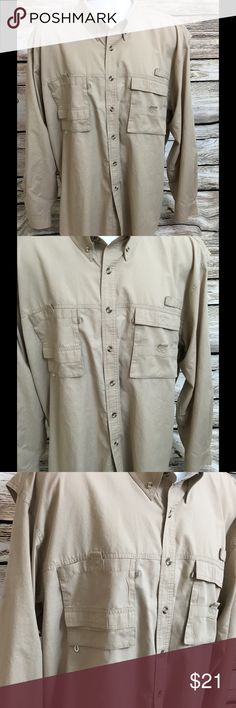 """Rugged Earth Outfitters Mens XL Long Sleeve Shirt Long Sleeve Button Front Front Chest Velcro Pockets Vented Back Measurements: Chest - 26"""" (doubled 52"""") Shoulders - 23"""" Length (down back) - 34"""" Rugged Earth Outfitters Shirts"""