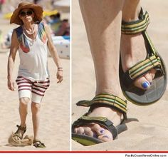 Is Aerosmith's Steven Tyler hiding toenail fungus? In March, American Idol judge and Aerosmith front man Steven Tyler was on a beach in Hawaii celebrating his birthday. Once the local papparazi caught wind of it, they started snapping away and. Billy Gibbons, Johnny Rotten, Anthony Kiedis, Roger Daltrey, Michael Hutchence, Steven Tyler, Joan Jett, Daft Punk, Foo Fighters