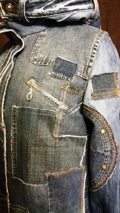 Купить или заказать Джинсовый плащ-парка 'Круги на воде' в интернет-магазине на Ярмарке Мастеров. Плащ для яркой, свободной, дерзкой. Настоящей Женщины! Выполнен из джинсов, курток, юбок в бохо-стиле. Фасон и стиль вещи разрабатывается индивидуально. Будем неповторимыми!