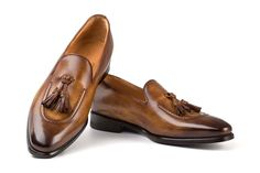 michelangelo cuoio handcrafted shoes Penny Loafers, Loafers Men, Tassel Loafers, Michelangelo, Italian Style, Tassels, Oxford Shoes, Dress Shoes, Classy
