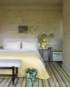 Country Chic   love the crisp clean yellow. A great spare bedroom