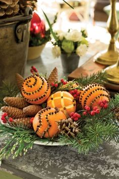 60 Most Popular Christmas Table Decoration Ideas. Decorating your table for Christmas can be as simple or as elaborate as you want to make it. But, there is one primary secret to Christmas table decor. Noel Christmas, Primitive Christmas, Country Christmas, Simple Christmas, Winter Christmas, Christmas Oranges, Christmas Scents, Beautiful Christmas, Outdoor Christmas