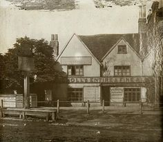 These are what London's pubs looked like about 100 years ago. George & Vulture, City of London The Grapes, Limehouse The Gree...