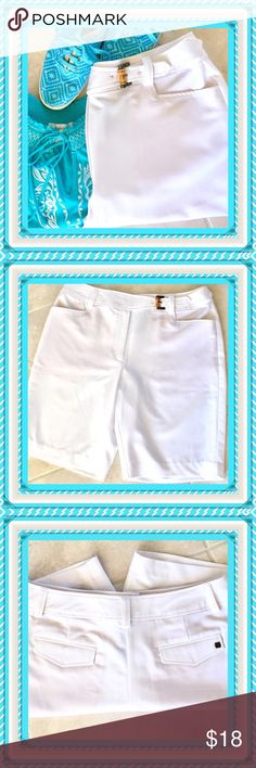 "🌺🌴🌺 LIKE NEW BERMUDA SHORTS 🌺🌴🌺 🌺🌴🌺 These shorts are in perfect condition.  The feel of the fabric is so rich in texture. You'll know instantly that these golf or dressy bermuda's are top quality and it shows. The front has a stylish half belt with a buckle of brass and bamboo. The two front pockets are very deep as are the two in back.  The back pockets have flaps. One has the logo. They are 60% polyester, 15% rayon and 4% spandex.  Waist:  34"". Length from waistband to hem:  20""…"