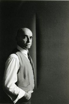 Lucio Fontana - artista argentino. Vivió en Italia