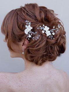 Romantic Bridal Hair Comb ~ Alexia More flowers!