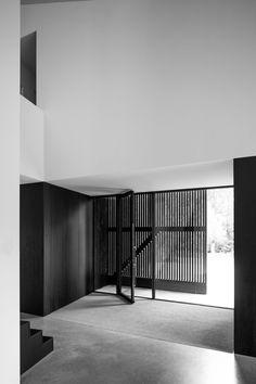 A Minimalist Villa Designed By FillieVerhoeven Architects Villa Design, House Design, Interior Design Sketches, White Interior Design, Modern Brick House, Minimalism, New Homes, Contemporary, Home Decor