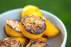 Mai provato a grigliare gli agrumi? Otterrete molto più succo, e l'aroma sarà molto più concentrato.