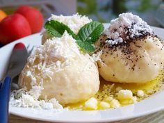 Zajímavé! Camembert Cheese, Mashed Potatoes, Grains, Ethnic Recipes, Food, Whipped Potatoes, Smash Potatoes, Essen, Meals