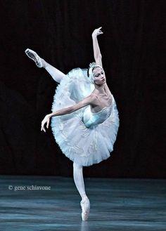 "<<Oksana Skorik (Mariinsky Ballet) # ""Swan Lake"">>"