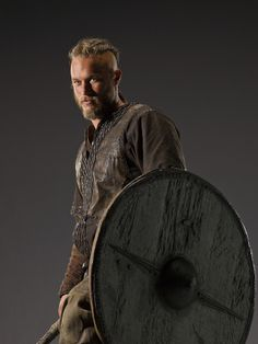 Vikings-Promo-Ragnar-Lothbrok-vikings-tv-series-33876563-1000-1333.jpg 1,000×1,333 pixels