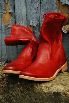 Oh my God.....I would do a serious crime for these Frye Boots...I am sick I tell you...just sick