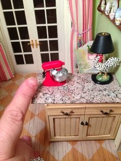 Kendra's Minis: More Belated Christmas - Diorama Ornaments & TUTOR...