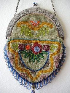 ANTIQUE ART NOUVEAU BEADED PURSE HAND BAG - FRINGED FLORAL BEAUTIFUL FRAME..