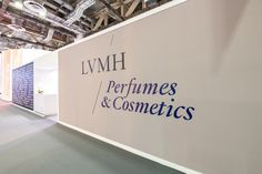 Last year we created the concept for LVMH Perfumes & Cosmetics booth at TFWA 2019 Marina Bay Sands Singapore. We did the project management and coordination of their 11 brands implementation. #labomagency #singapore🇸🇬 #marinabaysands #lvmh #lvmhperfumesandcosmetics #perfumes #cosmetics #booth #retaildesign #visualmerchandising #interiordesign #design #projectmanagement #tfwa2019 #creative #creativeagency #labomhongkong #labomhochiminh #labomparis #hongkong #paris #hochiminhcity…