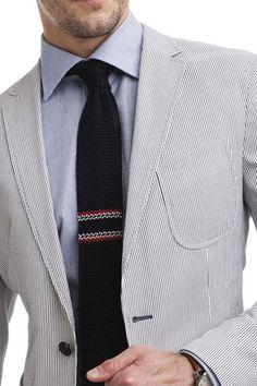 Corbata tejida Business Casual Men, Men Casual, Gq, Crochet Men, Tie Pattern, Knit Tie, Tie Styles, Suit And Tie, Wool Pants