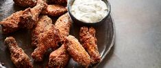 Try our fried chicken wings recipe in instant mash. We've used high-starch instant mashed potato to make the coating on these wings insanely crunchy! Crispy Fried Chicken Wings, Garlic Fried Chicken, Garlic Chicken Wings, Best Chicken Wing Recipe, Chicken Wing Recipes, Fried Wings Recipe, Wings Slow Cooker, Food Processor Recipes