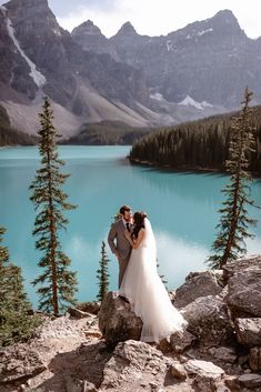moraine lake wedding elopement bride and groom