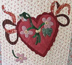 Vintage Valentine block made by Janet Beyea Applique Quilt Patterns, Hand Applique, Small Gifts For Friends, American Patchwork And Quilting, Shabby Fabrics, Vintage Valentines, Vintage Quilts, Quilt Making, Quilt Blocks