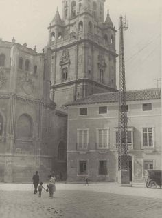 Spain, Louvre, Plaza, History, Building, Travel, Antique, Museum, Wanderlust