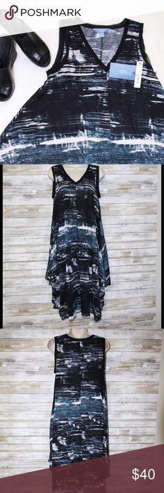 NWT Simply Vera Wang handkerchief dress sz S Simply Vera Wang blue/black/white V neck handkerchief style dress sz S NWT 100% polyester Simply Vera Vera Wang Dresses Asymmetrical