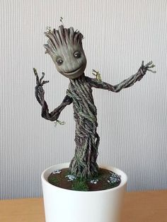 Baby Dancing Groot : full tutorial + pics and vid by DarrenCarnall on DeviantArt Baby Groot, Clay Cats, Gugu, Clay Art Projects, Polymer Clay Tools, Diy Galaxy, Dancing Baby, Art Model, Horror