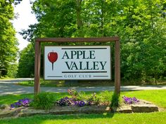 Signage at the entrance of the Apple Valley Golf Course.