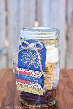 """smores mason jar - Make into a 4th of July gift - tie some sparklers in the twine and write a note that says """"you sparkle"""" or """" you light up my life and make me feel so ooey-gooey!"""" or """"I want you to sparkle s'more!"""" LOL!!!"""