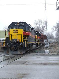 IAIS 712   Description:    Photo Date:  1/6/2008  Location:  Blue Island, IL   Author:  Ryan Kertis  Categories:    Locomotives:  IAIS 712(GP38-2)