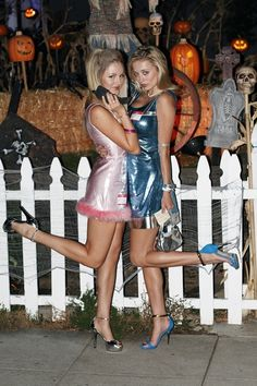 BFF Romy and Michelle Halloween Costumes 90s Halloween Costumes, 90s Costume, Cute Costumes, Halloween Kostüm, Halloween Cosplay, Holidays Halloween, Costume Ideas, Group Halloween, Zombie Costumes