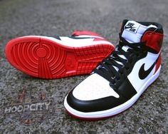 Air Jordan 1 Black Toe 2013