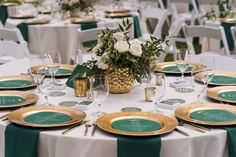 Mountain Wedding with an Emerald Green and Gold Color Theme via Couture Colorado weddinganniversary anniversary partythemes celebrate partyideas emerald green Green Wedding Decorations, Green Centerpieces, Gold Wedding Centerpieces, Gold Wedding Theme, Vail Wedding, Wedding Ideas, Orange Wedding, Wedding Poses, Wedding Pictures