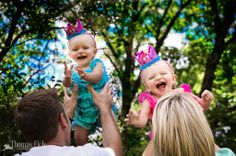 One year old twin pics | Thomas Eich Photography--My Favorite one of my nieces!