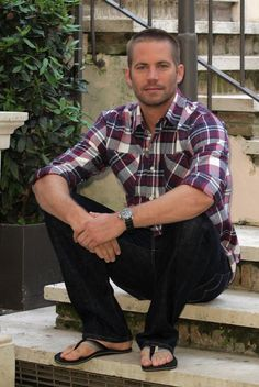 Pin for Later: Paul Walker's Memorable Hollywood Moments Paul Walker sat for a laid-back photocall in Rome back in April Actor Paul Walker, Paul Walker Dead, Cody Walker, Fast And Furious Actors, Fast & Furious 5, Mode Masculine, Eric Zimmerman, Paul Walker Pictures, Fast Five