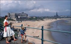Old Longsands, Tynemouth when the plaza was standing strong Old Pictures, Old Photos, Blaydon Races, Durham City, North Shields, Great North, North East England, Beach Road, Beach Photos