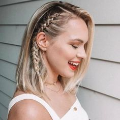 Heatless Hairstyles, Side Braid Hairstyles, Formal Hairstyles, Down Hairstyles, Fringe Hairstyle, Hairstyle Ideas, Wedding Hairstyles, Hair Ideas, Bridal Hairstyle