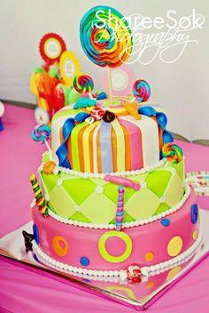 candied up tiers of happinessssss!!!!! lollipop lollipop ooh lollli lolli lolli lolli lollipop dum dum dum dum