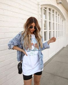 Summer Shorts Outfits, Summer Outfits Women, Casual Summer Outfits, Short Outfits, Spring Outfits, Summer Casual Outfits For Women, Band Shirt Outfits, Shorts Outfits Women, Outfit Summer