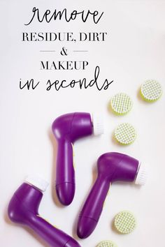 Remove dirt and grime from your pores with this easy little brush!  2 speeds to work quickly with very little effort from you!!  Get your Mary Kay Skinvigorate brush today!