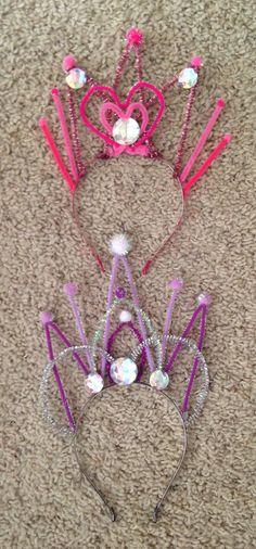 pipe cleaner tiara. fabulous :)
