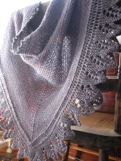 Free Pattern: The Crow Waltz Shawl by Juju Vail