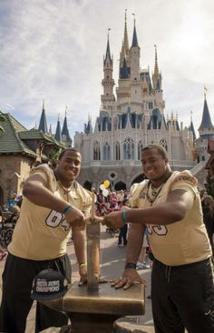Magic Kingdom Park Says 'Good Knight' to the UCF Football Team with Gala Hometown Parade