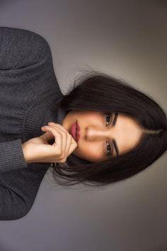 Orion Carloto on Self Portrait Photography, Portrait Photography Poses, Photography Poses Women, Portrait Poses, Photography Tips, Grunge Photography, Urban Photography, Portrait Art, White Photography