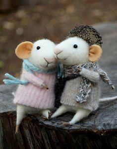 Felt mouse couple <3