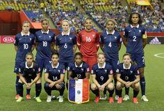 La FIFA a dévoilé ce matin le classement mondial féminin. A l'issue de la Coupe du Monde au Canada, l'Équipe de France conserve la 3ème place, qu'elle avait acquise pour la première fois en décembre 2014. Le groupe de Philippe Bergerôo pointe derrière les Etats-Unis, Champions du Monde et désormais leaders devant l'Allemagne. Au sein du top 10, l'Angleterre (5ème), le Brésil (6ème), l'Australie (9ème) et la Norvège (10ème) enregistrent une progression d'une place.